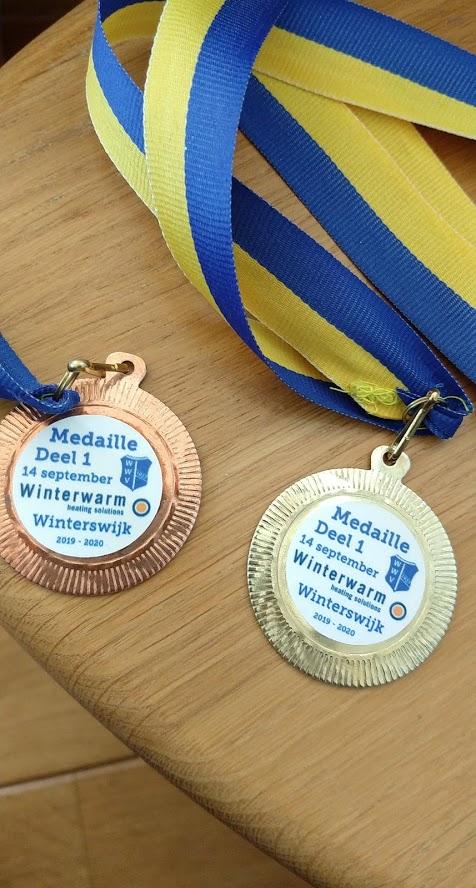 Eerste wedstrijd van het nieuwe zwemseizoen, medaille dl1 bij WWV Winterswijk, 14-9-2019