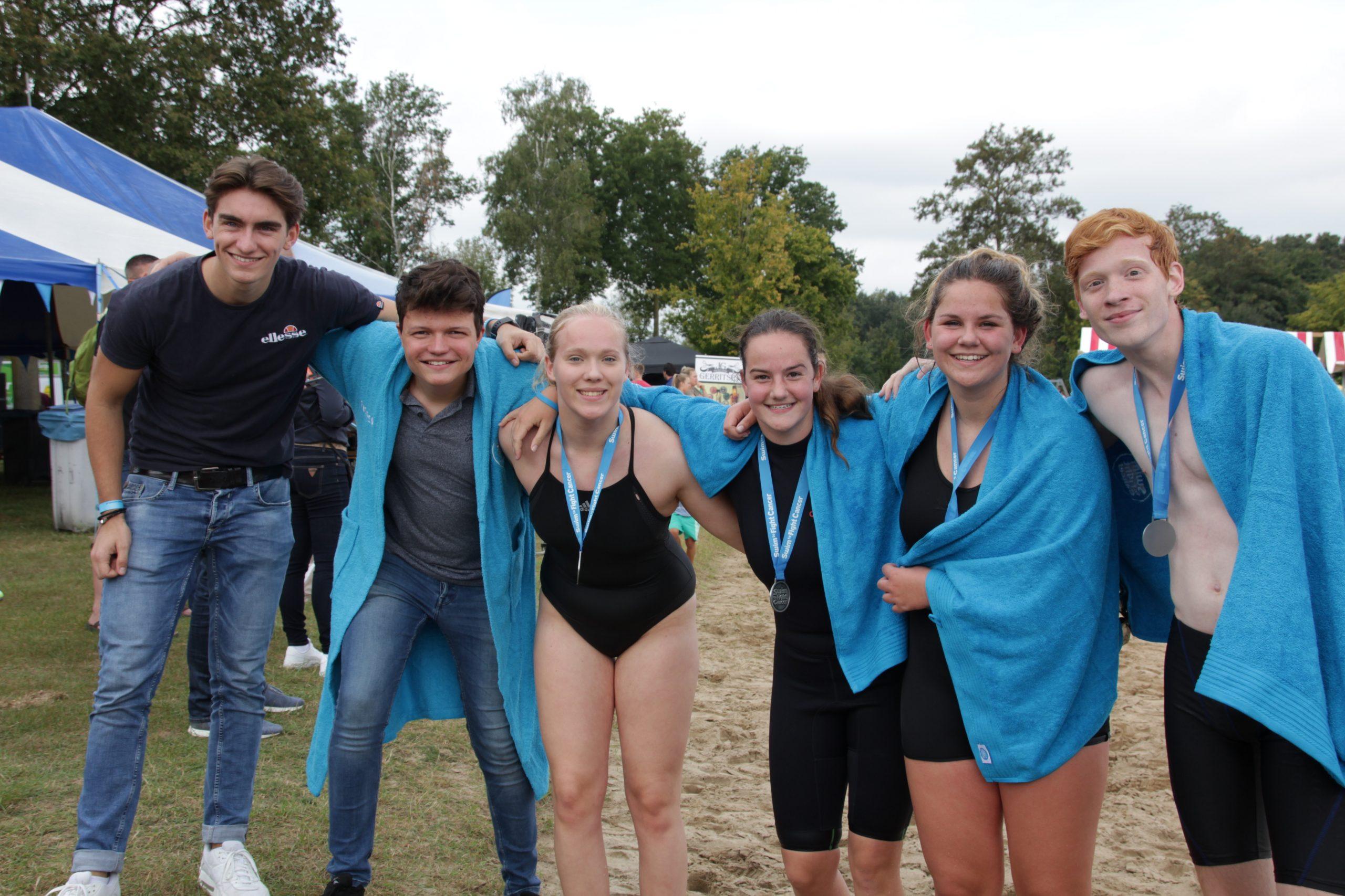 Deelname DOS zwemmers aan Swim to Fight Cancer